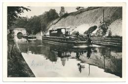 Cpsm: 02 LESDINS  Canal De Saint Quentin -Le Souterrain - Arrivée D'une Rame De Bateaux (Un Toueur, Péniches) 1952 - Otros Municipios