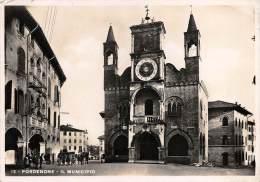 """03796 """"PORDENONE - IL MUNICIPIO"""". ANIMATA. BAMBINI. CART. ILL.  ORIG. SPEDITA 1935. - Pordenone"""