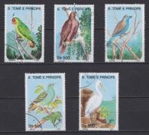 O25- Série De  Timbres Oblitérés - Sao Tomé 1993 - Oiseaux Birds Pájaros Rapaces Perroquets Parrots - Andere