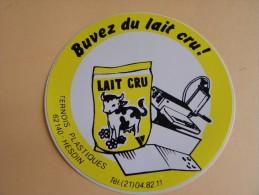 Autocollant, Sticker - Buvez Du Lait Cru -Ternois Plastiques - Hesdin  -  (384.p16) - Stickers