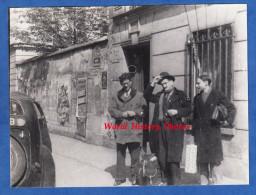 Photo Ancienne - PARIS 6e - Rue D'Assas - Monsieur Haudricourt , Poirier & Stresser Péan Au Départ Pour L'Indochine - Guerra, Militares