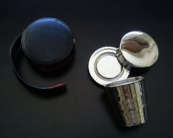 Authentic Models - Vintage Nautical Foldable Stainless Steel Rum Cup - With Steel Case & Leather Pouch - Maritieme Decoratie