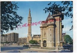 59 - LILLE - LA PORTE DE PARIS ET LE BEFFROI DE L' HOTEL DE VILLE - Lille