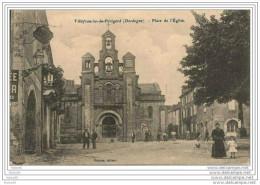 VILLEFRANCHE  Du  PERIGORD ,,,,  PLACE  De  L´  EGLISE ,,, ANIMEE ,,,,CHRETIENS  Et  UNE  POULE ! ! ! - France