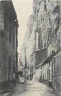 - Ref -H70 -  Belgique - Dinant - La Rue Sous Les Roches - Carte Bon Etat - - Belgique