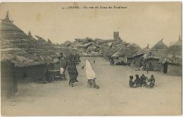 Zinder 4 Un Coin Du Camp Des Tirailleurs Tirailleurs Senegalais Et Famille Groupe Enfants Nus Femmes - Niger