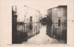 FLORENSAC (HERAULT) LES INONDATIONS DE MARS 1928. LA BARQUE RAVITAILLE LES ASSIEGES DU PORTAIL NEUF - France