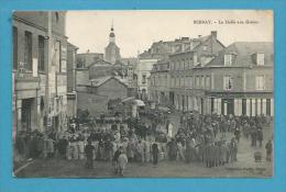 CPA Métier Marchands Ambulants Marché La Halle Aux Grains BERNAY 27 - Bernay