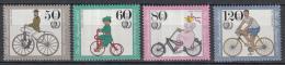 Berlijn - Jugend: Historische Fahrräder - Internationales Jahr Der Jugend – MNH/postfris – M 735-738 - Transportmiddelen
