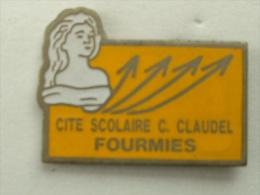 Pin´s FEMME - BUSTE DE MARIANNE CITE SCOLAIRE C.CLAUDEL FOURMIES - Pin-ups