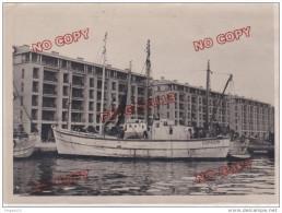 Au plus rapide photo du deuxi�me navire du Commandant Cousteau Le chalutier Espadon * Monaco S�te Marseille ?
