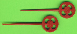 MÉLANGEURS À BOISSON - LOT DE 2 TOUILLEURS - ROUE ROUGE - - Swizzle Sticks
