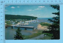 Alma Quebec ( Pont Couvert à L'entré Du Parc National Fundy ) Post Card Postcard 2 Scans - Ponts