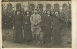 92 Issy Les Moulineaux, Guerre 14-18, Carte Photo D'un Poilu Convalescent Et De Femmes Au Séminaire, Janvier 1916 - Issy Les Moulineaux