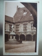 Carte Postale Besançon Les Bains Palais Granvelle Non Circulée - Besancon