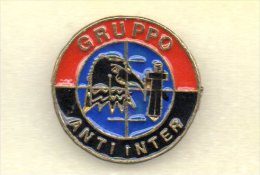 Milan Brigare Rossonere Soccer Pins Gruppo Calcio Football Pin Ultras Sport Anti Inter - Football