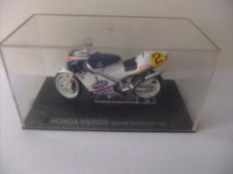 MOTO HONDA NSR 500 WAYNE GARDNER 1987 CON SU CAJA ORIGINAL Ver Fotos - Motos