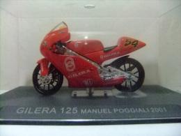 MOTO GILERA 125 MANUEL POGGIALI 2001 CON SU CAJA ORIGINAL - Motos