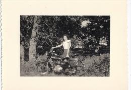 MOTO  ANNEE1945.50    11X8,5cm - Fotos