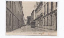 CPA 25 - BESANCON - Rue De La Préfecture - La Caisse D'Epargne - TB PLAN TRAMWAY Dans La Rue ANIMATION - Besancon