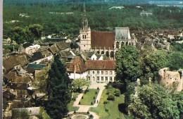 CONCHES . L'Hôtel De Ville , Les Jardins Et Vue Sur L'Eglise Sainte - Foy Et Le Donjon . - Conches-en-Ouche