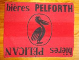 Tapis de cartes - Bi�res Pelforth. Bi�res P�lican -