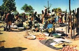 AFRIQUE . Marché . - Postcards
