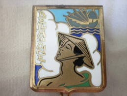 """Insigne Marine Nationale Dragueur de Mines """" Belladone """" Drago Paris-Nice  3 rue de Romainville . D�pos�"""