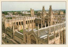OXFORD:   UN  COLLEGE        (NUOVA CON DESCRIZIONE DEL SITO SUL RETRO) - Oxford