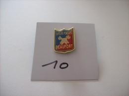 PIN´S - POMPIERS - BEAUFORT - Sapeurs Pompiers  -   Voir Photo ( 10 ) - Feuerwehr
