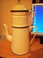 Theiere émaillée Ancienne - Teapots