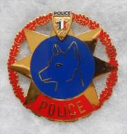 INSIGNE - MAITRE CHIEN - POLICE - Modèle DORE - Police & Gendarmerie