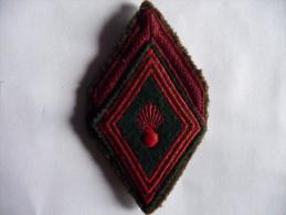 Insigne de bras,mod�le 1945-Grade de 1�re Classe R�giment du Train.