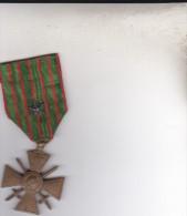 MEDAILLES   MILITAIRE  1914  1917 avec une etoile