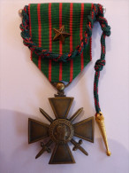 CROIX DE GUERRE 1914 / 1916 AVEC SA FOURAGERE