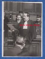 Photo Ancienne De Presse ( Meurisse Ou Rol ) - Affaire Judiciaire - Avocat Et Accusé à Identifier - Gendarme Tribunal - Métiers