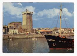 Les Sables D'Olonne 85 Vendee Le Port Et La Tour D'Arundel Bateau Guyenne - Sables D'Olonne