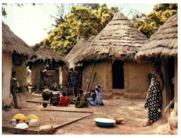 (DEL 808) Africa - Village Life - Métiers