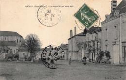 VASLES - La Grand'Place, Côté Sud - France