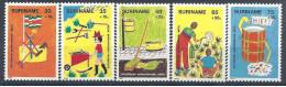 1982 SURINAM 866-70** Enfance, jardin, recyclage