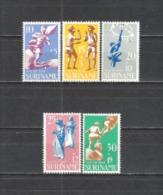 Suriname 1969 Organisationen Gesellschaft Wohlfahrt Kinderspiele Konferjari Sackhüpfen Klettern Freizeit, Mi. 564-8 ** - Suriname