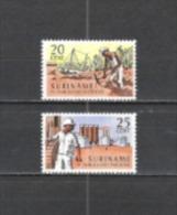 Suriname 1966 Wirtschaft Industrie Bergbau Bodenschätze Bauxit Aluminium Metalle Erze Arbeitswelt, Mi. 512-3 ** - Suriname