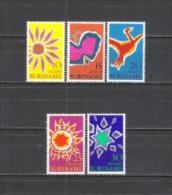 Suriname 1970 Religion Christentum Ostern Easter Symbole Blumen Sonne Schmetterling Stern Vögel, Mi. 570-4 ** - Suriname
