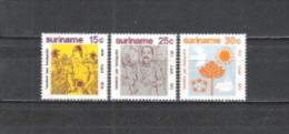 Suriname 1973 Geschichte Einwanderung Migration Immigration Indien Inder Cateau van Rosevelt Reisernte, Mi. 651-3 **