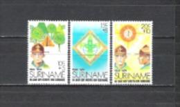 Suriname 1974 Organisationen Pfadfinder Scouting Scouts Jugend Baden-Powell Jamborees Zelte, Mi. 677-9 **