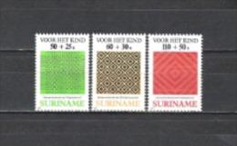 Suriname 1987 Wohlfahrt Jugend Kunsthandwerk Flechten Flechtkunst Manari Teppiche Textilien, Mi. 1240-2 **