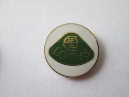 Lotus Pin Ansteckknopf Weiss Emailliert - Badges