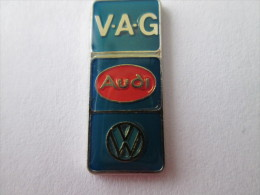 VAG Turm Audi VW Anstecknadel Lackiert Silberfarben - Volkswagen