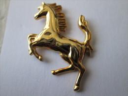 Ferrari Pin Ansteckknopf Groß Goldfarben - Ferrari