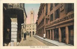 TREVISO. VIA XX SETTEMBRE CON IL DOPOLAVORO PROVINCIALE. CARTOLINA ANNI  '40 - Treviso